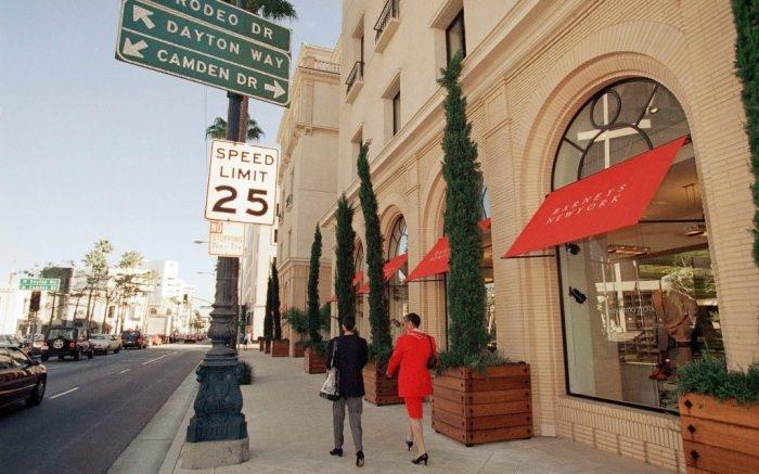 # Barneys New York:即將退場的一代奢侈品百貨傳奇 9
