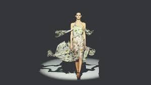 # 鬼才設計師 Hussein Chalayan:以靜制動的鬼才設計師 9