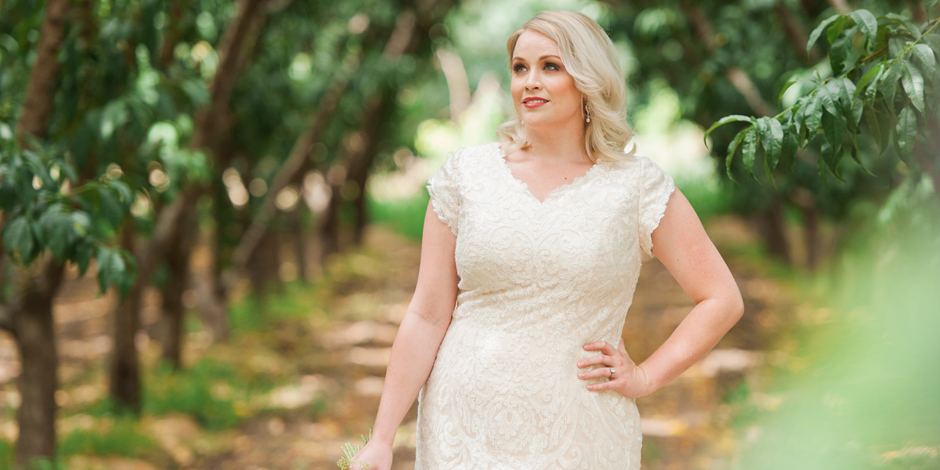 25 Modest Plus Size Wedding Dresses