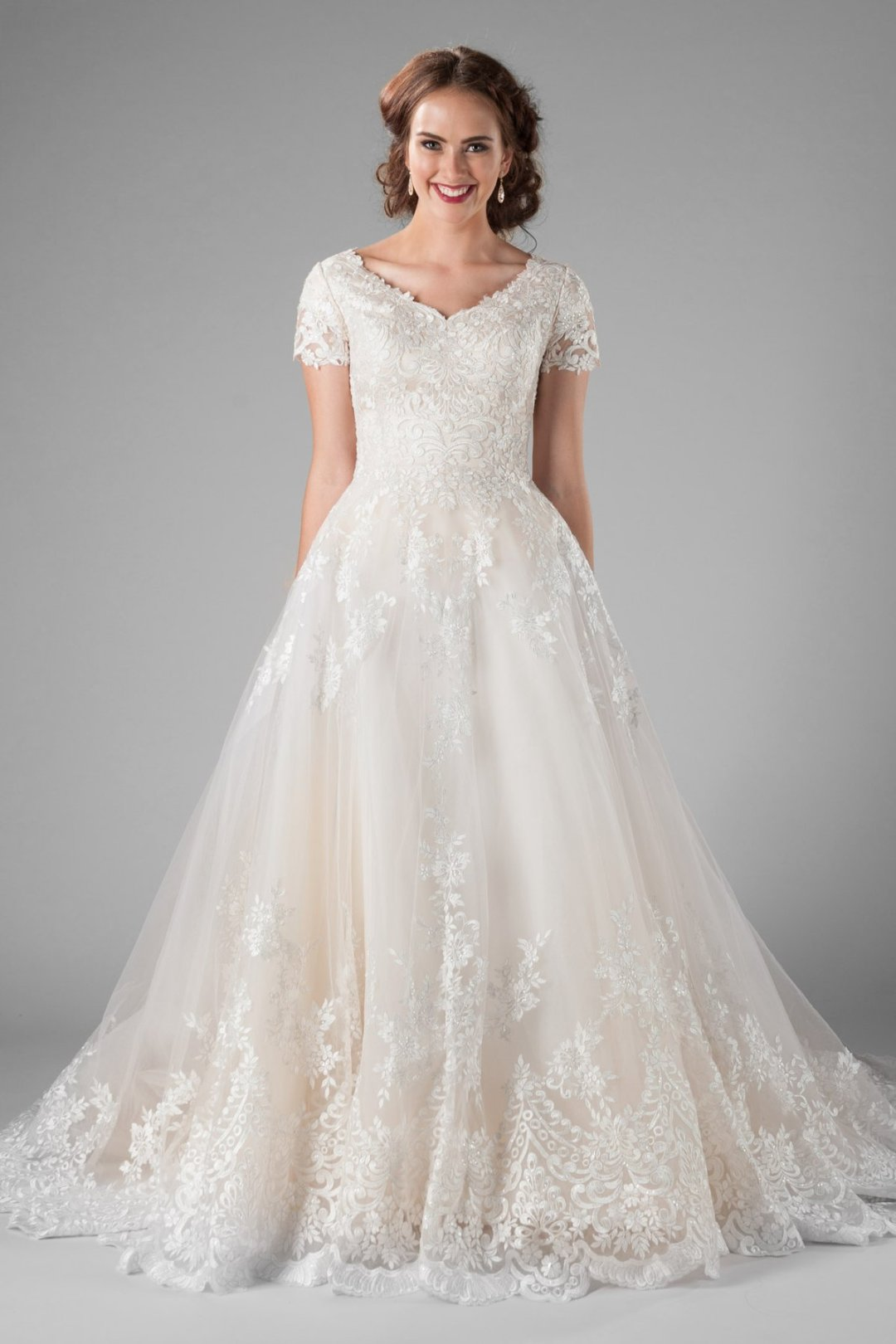 25 Modest Ball Gown Wedding Dresses - 1