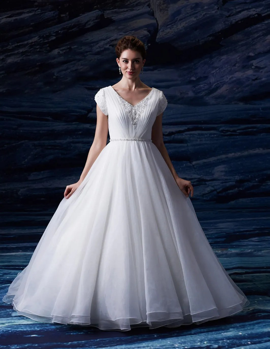 25 Modest Ball Gown Wedding Dresses - 19