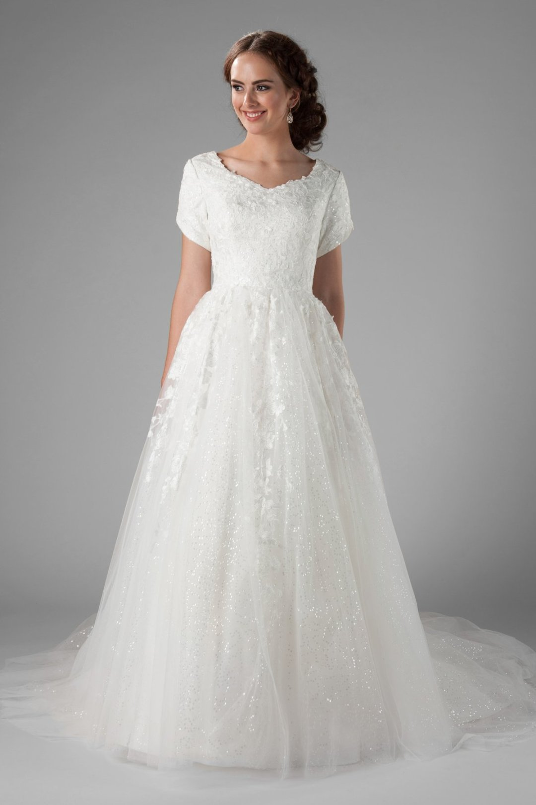 25 Modest Ball Gown Wedding Dresses - 2