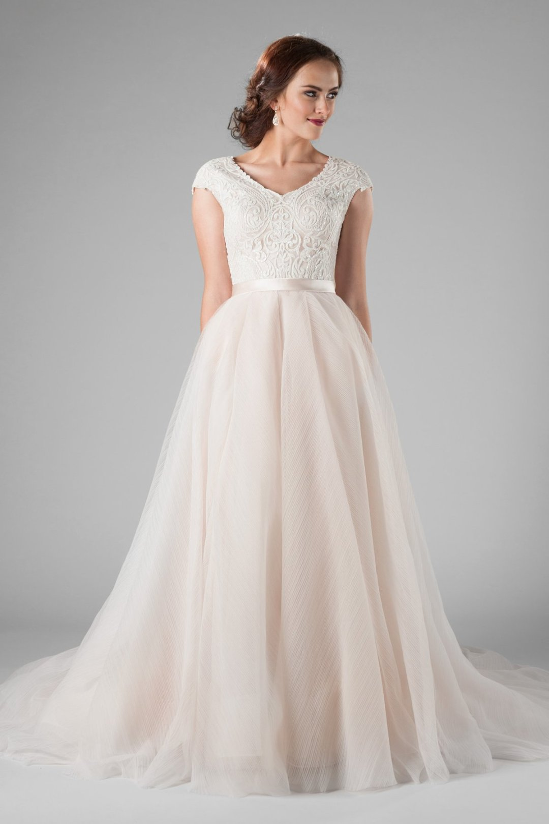 25 Modest Ball Gown Wedding Dresses - 8