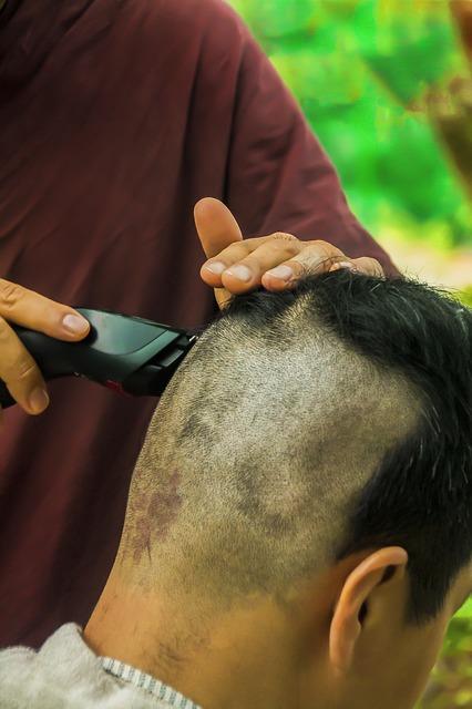 Comment apprendre Г faire le rasage dans les coupes de cheveux des hommes