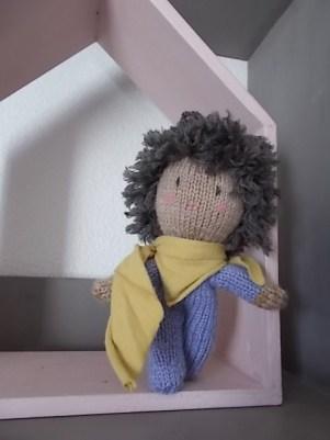 poupée laine tricot