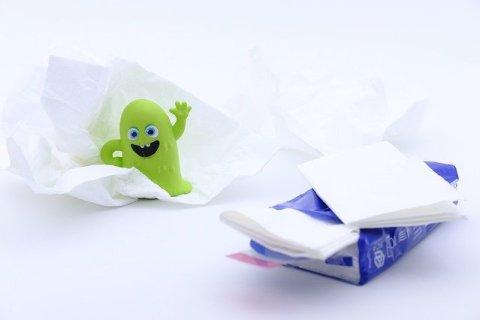 Coronavirus et précautions grossesse - utiliser des mouchoirs jetables