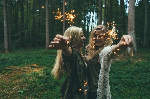 Aimer les gens heureux et se rapprocher du bonheur