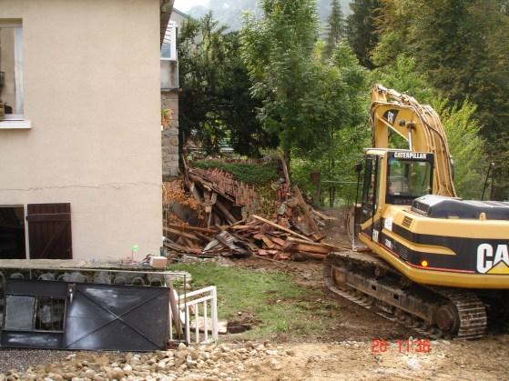 démolition pour agrandissement Le Chalet 09-2005