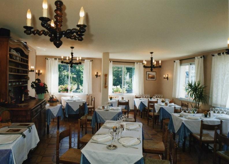 salle restaurant Le Chalet Ax les Thermes 1998
