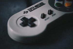 Entreprendre dans les jeux-vidéos et le cinéma : une aventure comme une autre ?