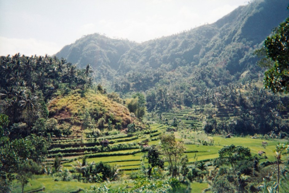 carnet-voyage-indonesie-bali_route-amed-appareil-photo-jetable-argentique-cityguide-by-le-polyedre