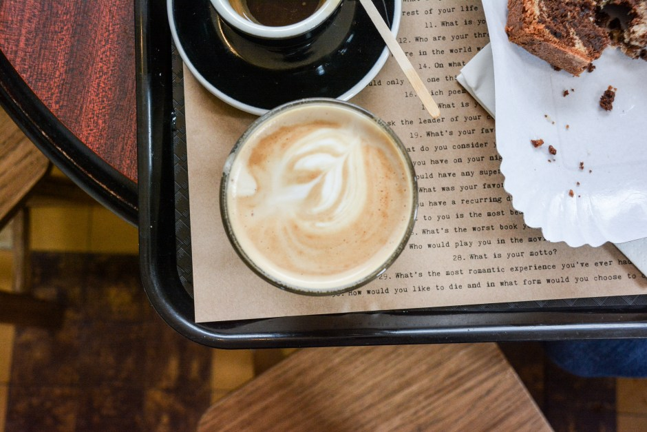 Shakespeare-and-Company-Café-paris-by-le-polyedre (14)