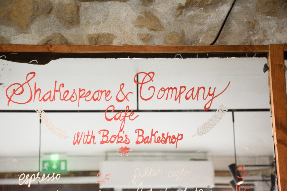 Shakespeare-and-Company-Café-paris-by-le-polyedre (19)