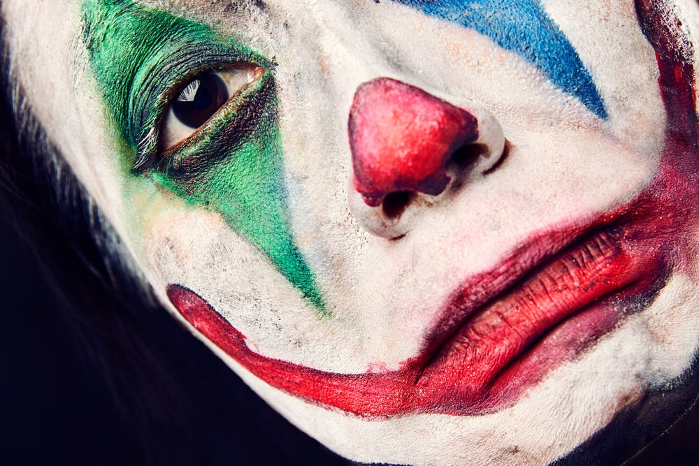Être bien dans sa peau commence par enlever le masque que l'on porte
