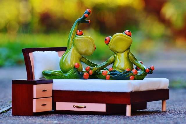 méditation au lit - la méditation est un outil pour atténuer le trouble attentionnel