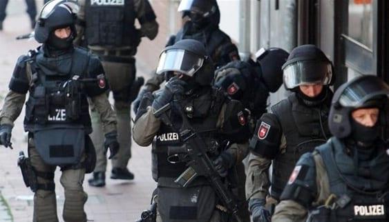 الشرطة تواصل مطاردة الجاني