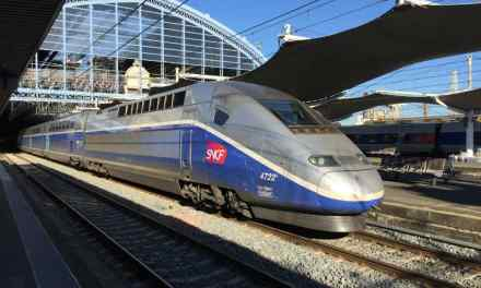 SNCF : une carte jeune avec TGV illimité