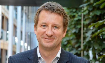Yannick Jadot présente les grandes lignes de son programme sur France Inter