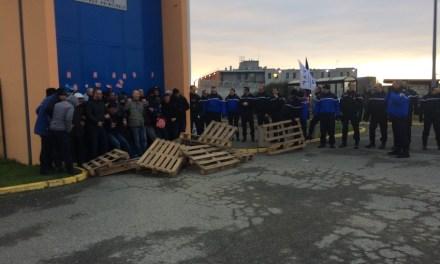Blocus des surveillants de prison à Seysses : les gendarmes les délogent