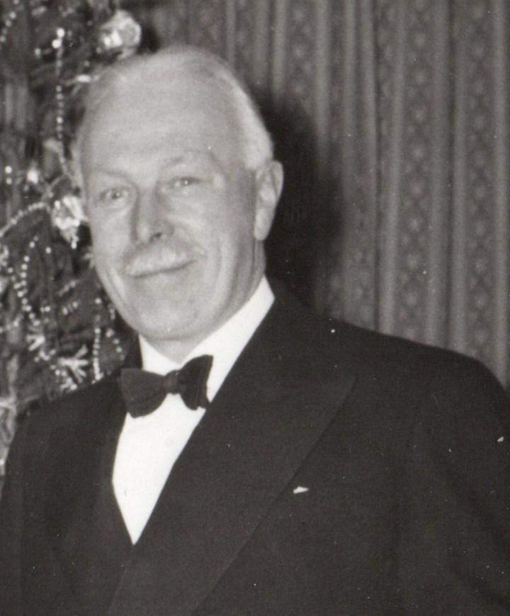 Richard R. Leader