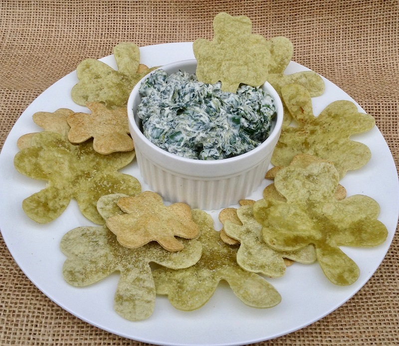 Shamrock Chips with Spinach Dip