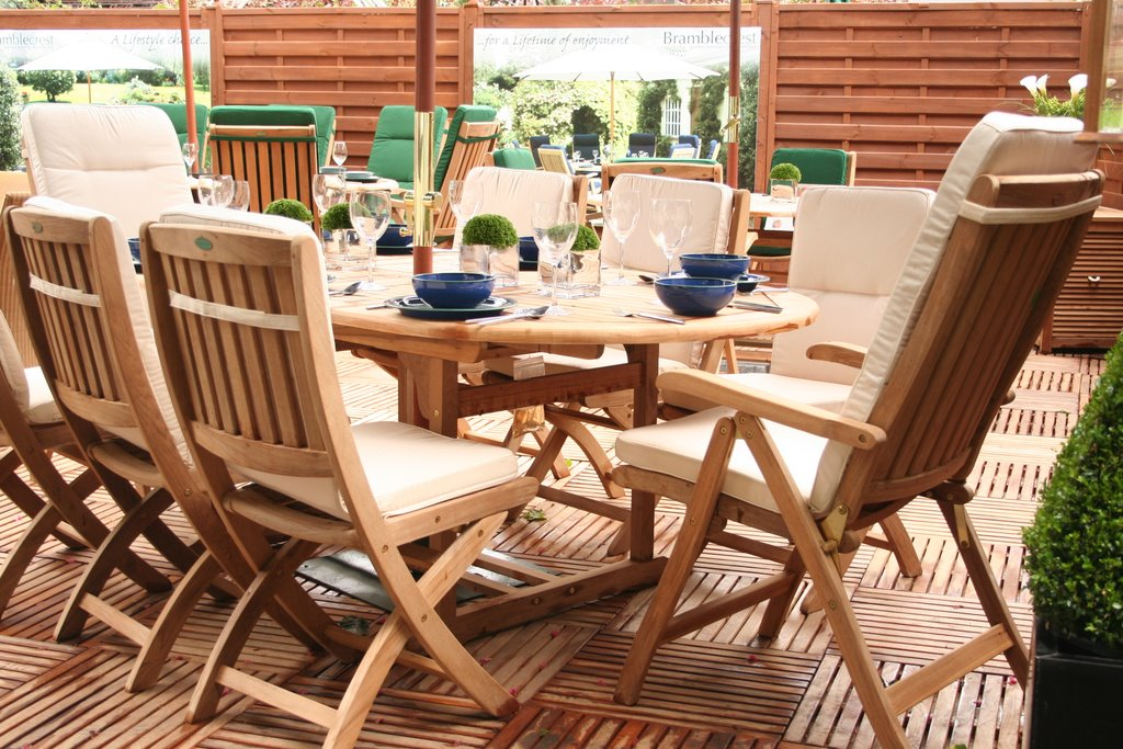 importance of patio pvc furniture leaf lette