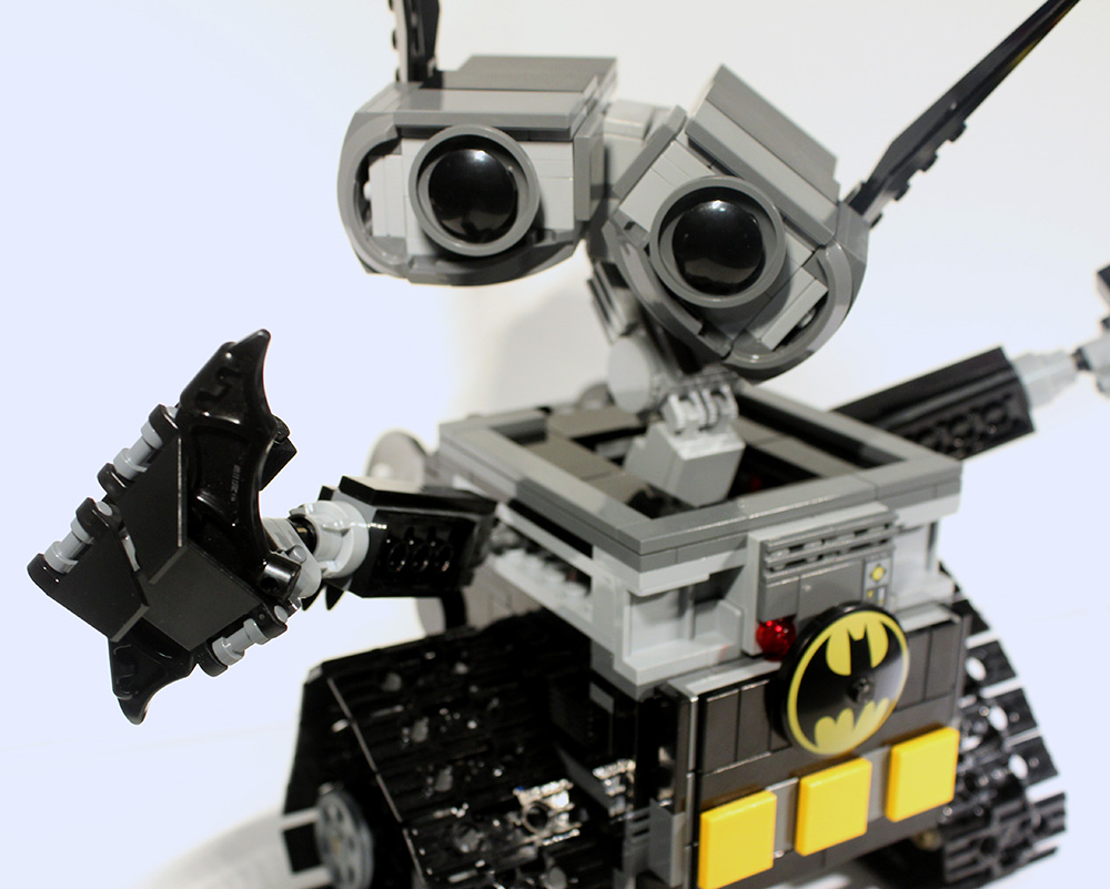 LeaG_Bat-Wall-e