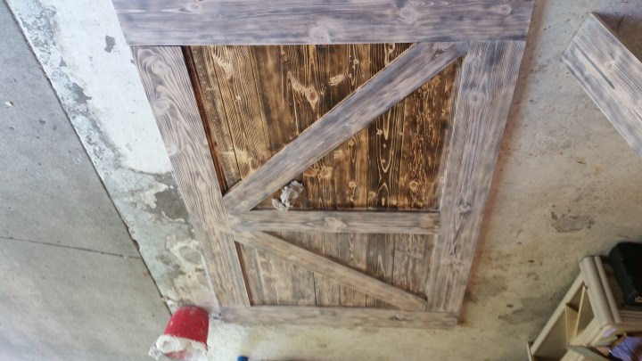 whitewashing wood DIY barn door