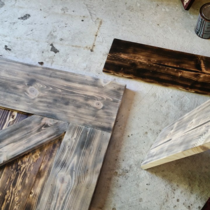 DIY distressed and aged wood techniques barn door