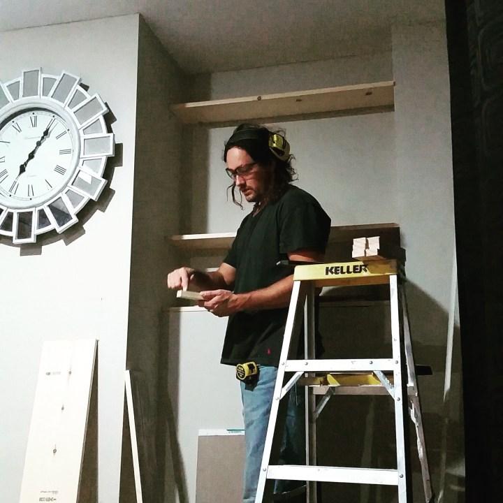 DIY builtin bookshelves