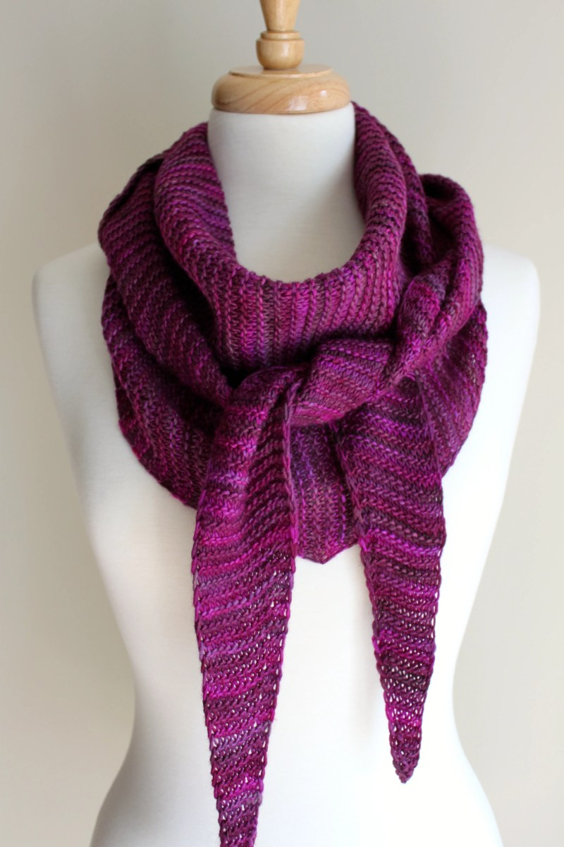 Knitting Patterns For Triangular Scarf : Free Knitting Patterns: Totally Triangular Scarf Leah Michelle Designs