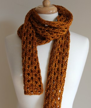 Lengthy Lace Scarf Curled