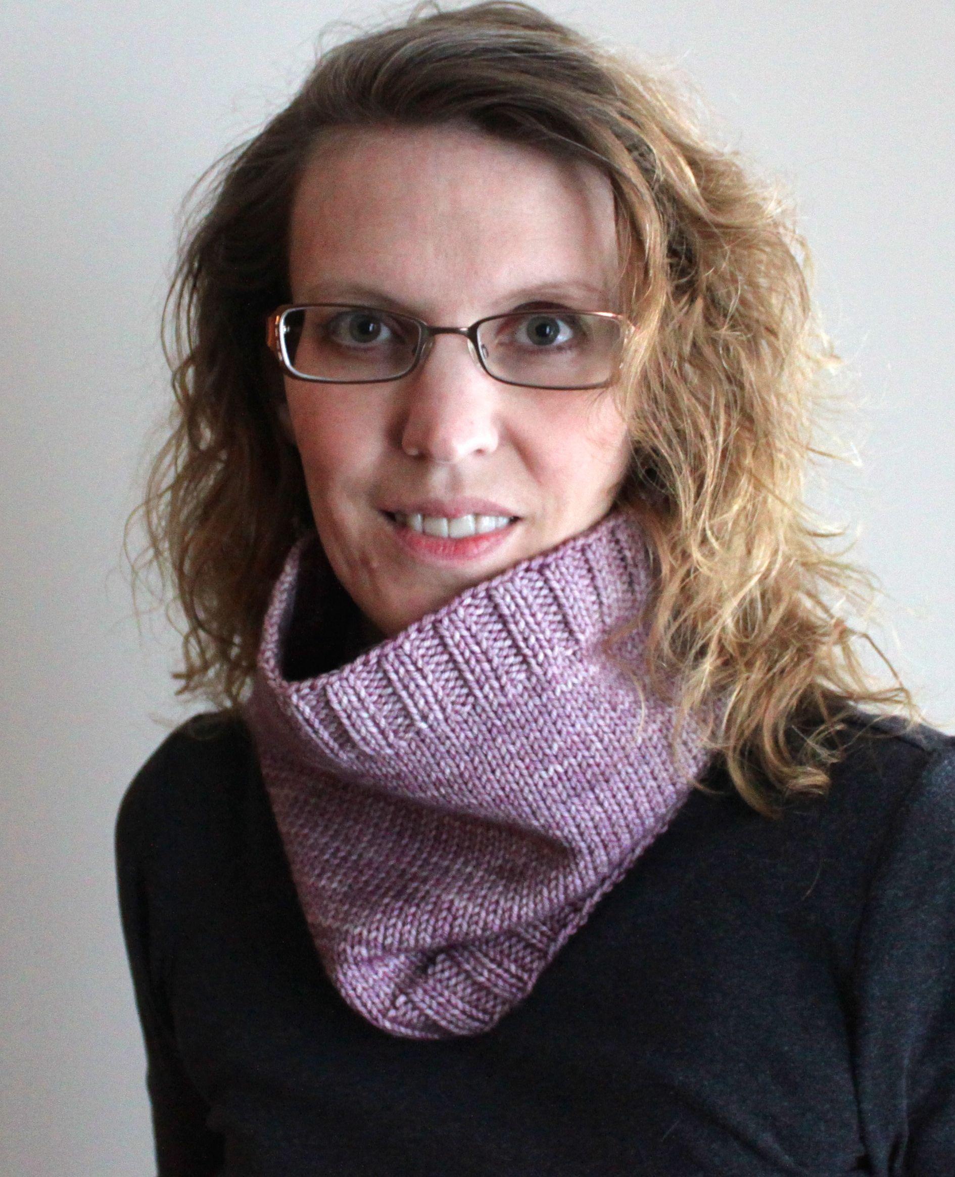 Free Knitting Patterns Sugar Plum Cowl Leah Michelle Designs