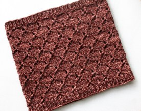 Honeycomb Eyelet Cowl flat