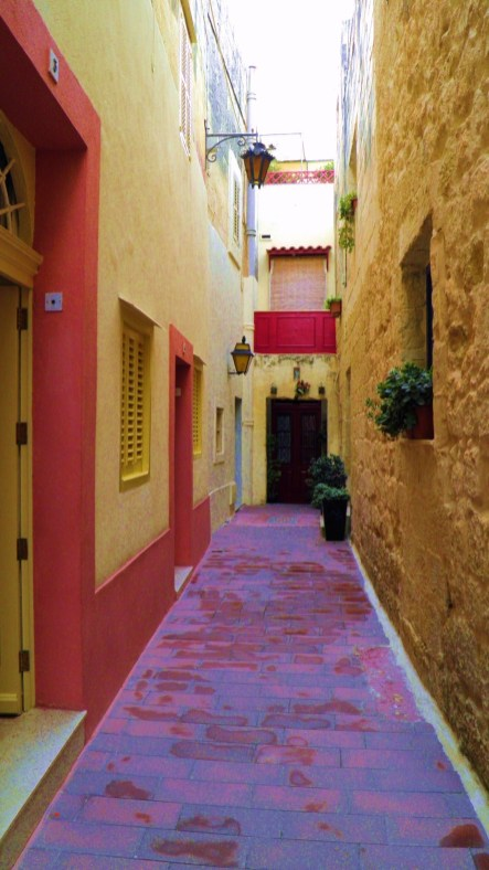 Cuzma Navarra Alley, Rabat Malta by Robert Finch