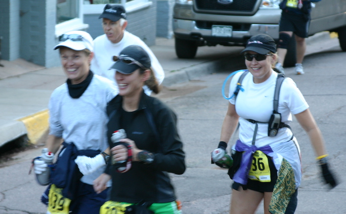Leah Nyfeler, Carrie Delbeque, and Cathy Bridge at start of 2005 Pikes Peak Marathon