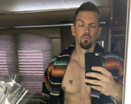 Watch Online    Steve Howey Naked Moments in Film and TV