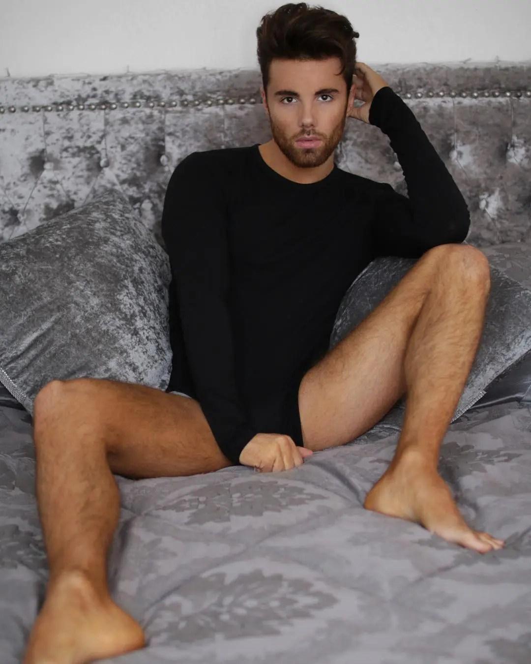 Watch Online |  Big Brother Arron Lowe Nude Bulge, Butt & Dick Pics!