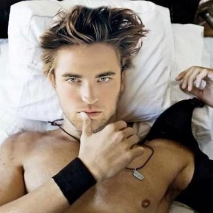 Watch Online |  Robert Pattinson Nude Scenes & Raunchy Leaked Photos