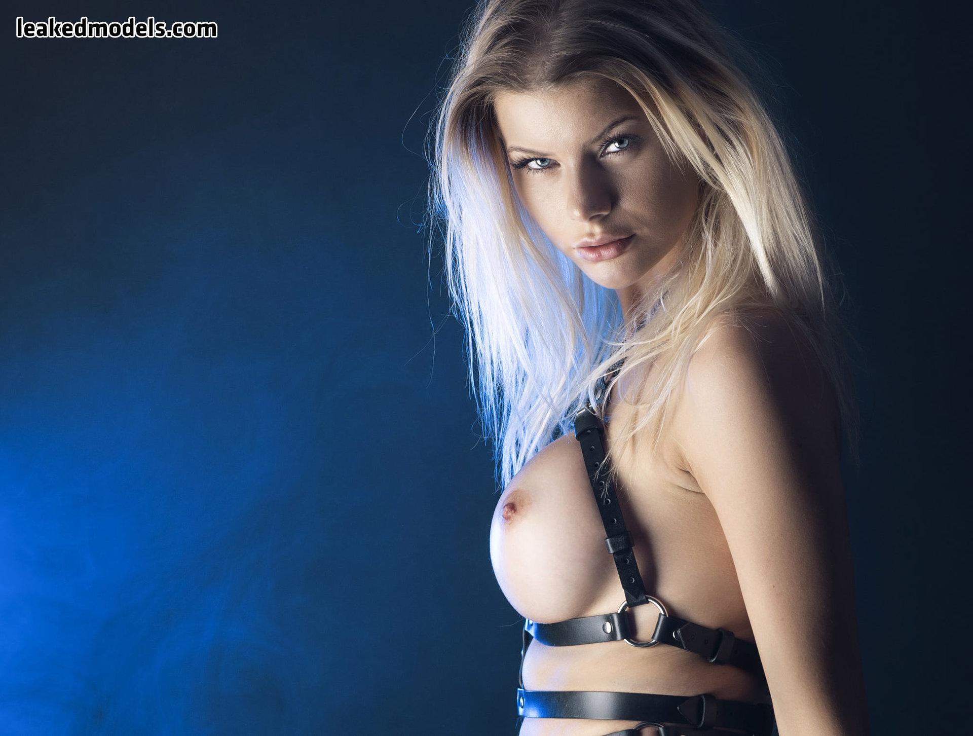 honeybabesugarpiie killeryina leaked nude leakedmodels.com 0020 - Viktoria – Honeybabesugarpiie killeryina OnlyFans Nude Leaks (30 Photos)
