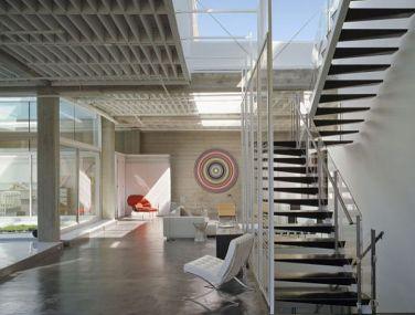white-industrial-loft-decoration