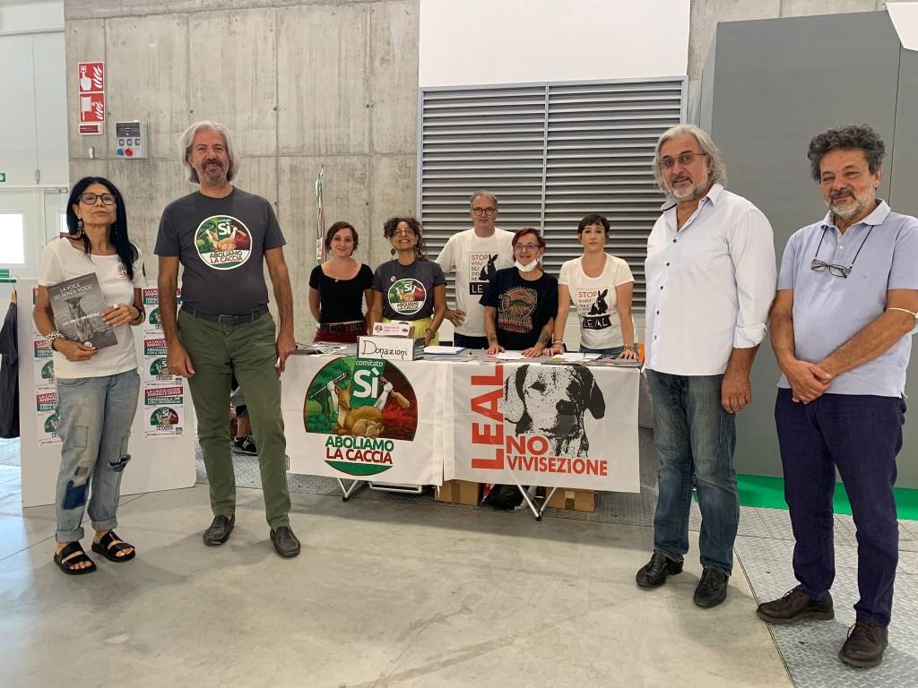 LEAL al sana di Bologna per la raccolta firme contro la caccia