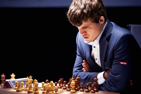 magnus-carlsen-chess-580