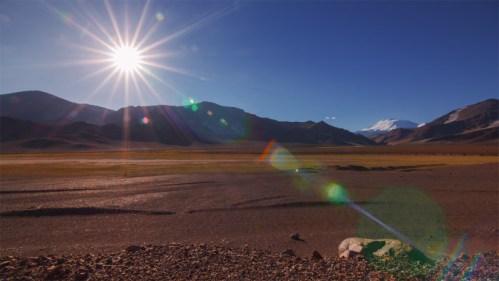 Puesta del sol y volcán