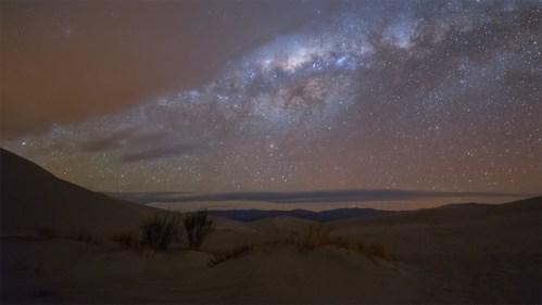 Vía Láctea y dunas