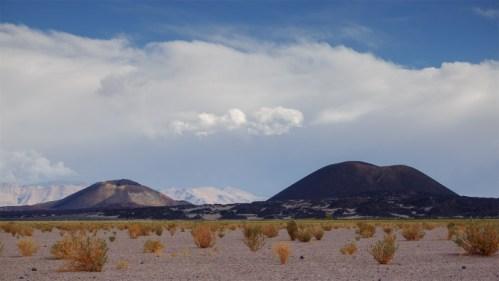 Volcanes y nubes