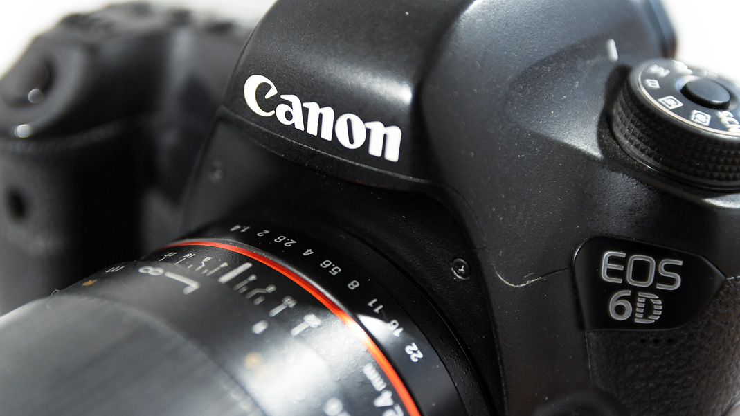 Cómo saber la cantidad de obturaciones de tu cámara Canon