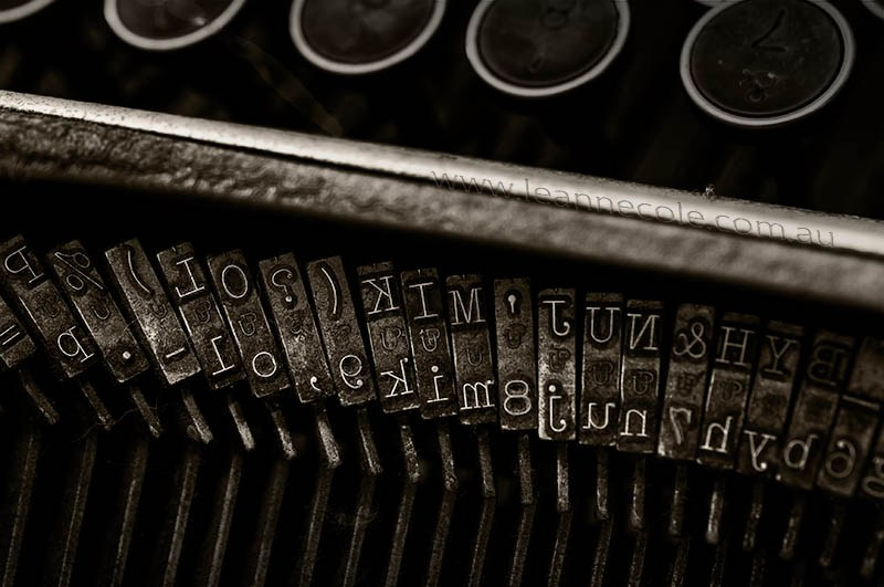 leannecole-typewriter-9456