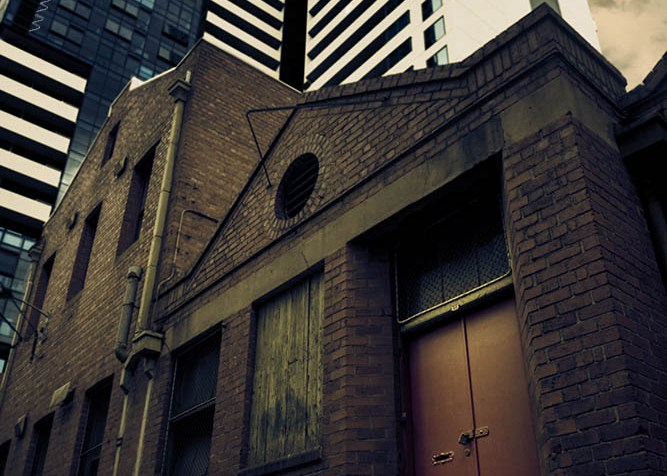 old-buildings-skyscrapers-closingin-melbourne