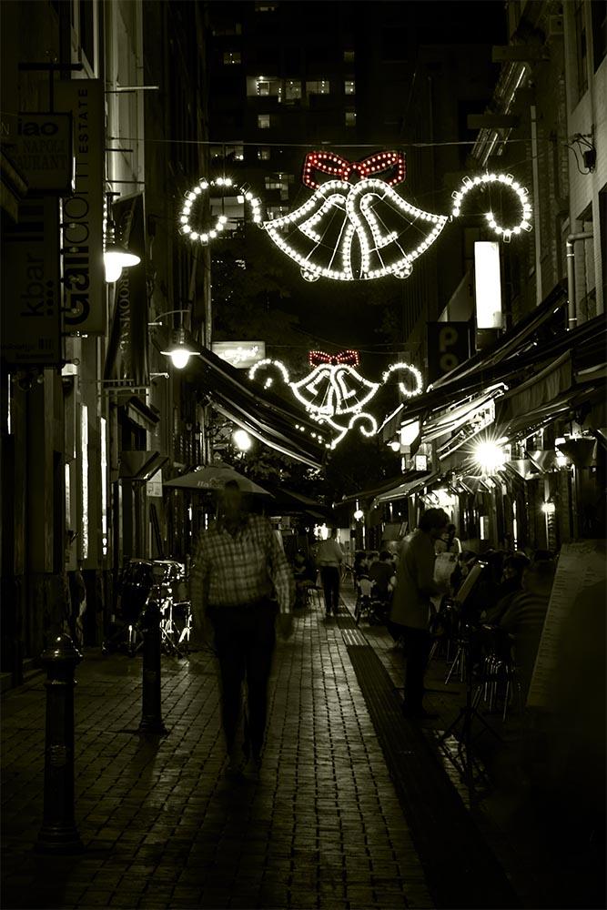 bells-christmas-night-laneway-hardware